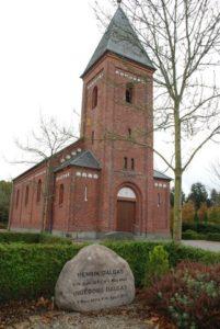 Henrik Dalgas`s gravsted foran Ilskov kirke