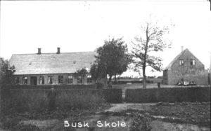 Billedet af Busk skole er fra 1910